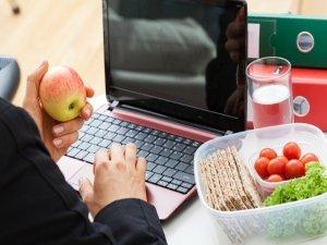 4 consigli per mangiare sano in ufficio