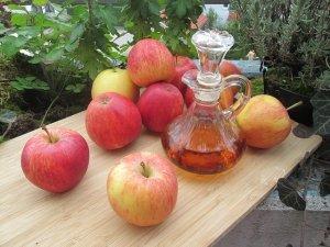 L'aceto di mele per rinforzare capelli e unghie