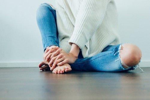 Artrosi al ginocchio: sintomi, rimedi e cure naturali