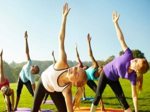 Con l'Empower Yoga il fitness incontra la tradizione indiana e funziona come una palestra