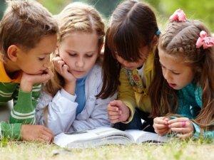 Macro dona libri ai 5000 bambini delle scuole primarie di Cesena