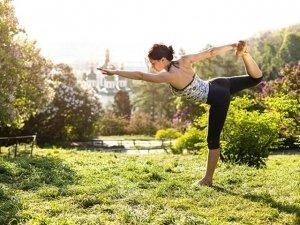 Primavera, tempo di pulizie: disintossicarsi con lo yoga