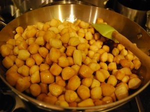 Struffoli per carnevale senza glutine e proteine del latte animale