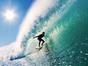 Il Surf: quando l'onda e l'acqua rendono felici