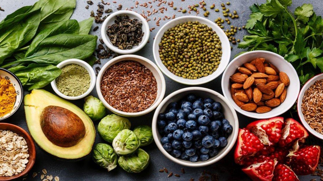 Alimenti per la pelle: i cibi per mantenerla giovane