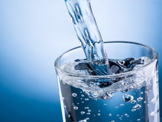 Come armonizzare e purificare l'acqua del rubinetto