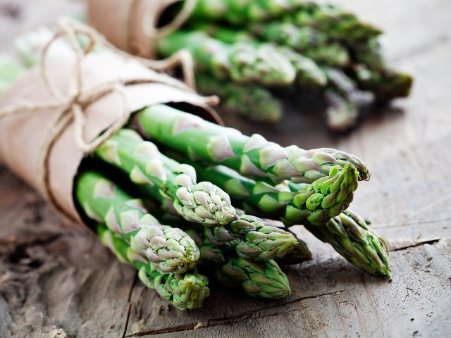 Asparagi: proprietà e benefici