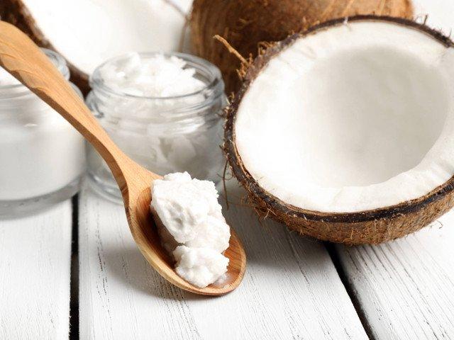 Olio di cocco per ridurre il senso di fame: come produrlo a casa