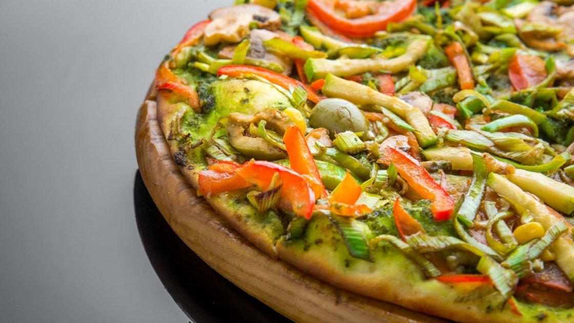 Pizza di zucchine ai peperoni