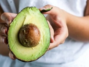Avocado, 9 motivi per mangiare il frutto del benessere