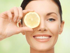 La natura ti fa sana e bella: i benefici del limone