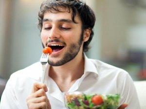 Mangiare fuori casa: le soluzioni possibili per un crudista