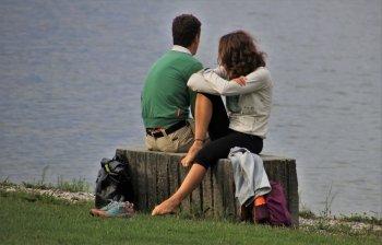 Earthing: perché stare a piedi nudi aiuta la salute