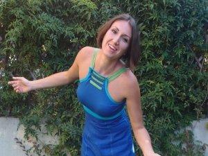 Fatto in casa: il benessere viene dalle nostre mani. Intervista a Lucia Cuffaro, autrice di un libro sull'autoproduzione