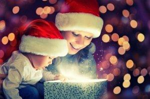 Metti un libro da colorare sotto l'albero per un magico Natale