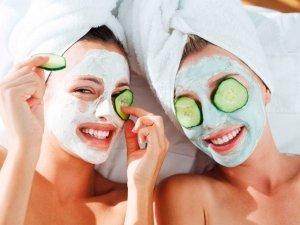 7 rimedi naturali davvero efficaci contro l'acne