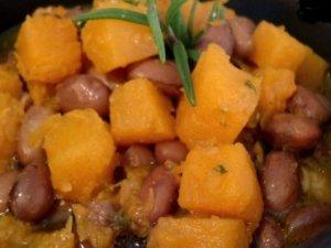 Zucca e fagioli allo zenzero con polenta taragna grigliata