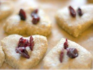 biscotti con mela e uvetta