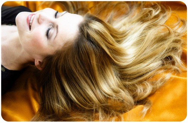 curcuma benefici capelli